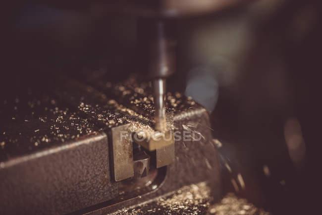 Nahaufnahme der Maschine eine Metall Bohren — Stockfoto