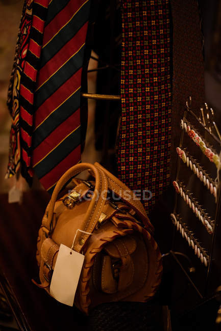 Close-up of handbag on display in boutique store — Stock Photo