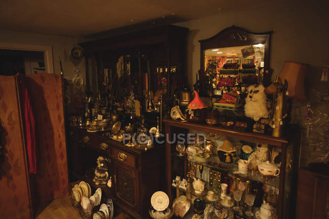 Various vintage equipment in a antique shop — Stock Photo