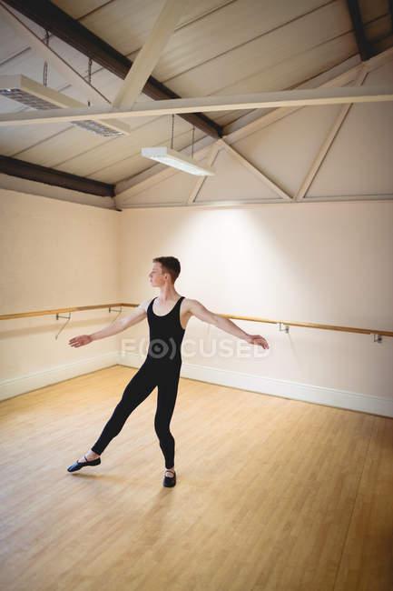 High angle view of Ballerino practicing ballet dance in studio — Stock Photo