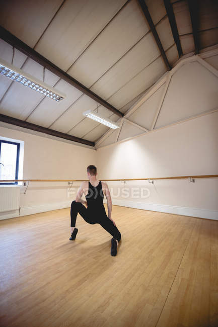 Back view of Ballerino practicing ballet dance in studio — Stock Photo