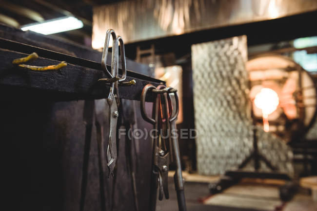 Close-up of glassblowing tools at glassblowing factory — Stock Photo