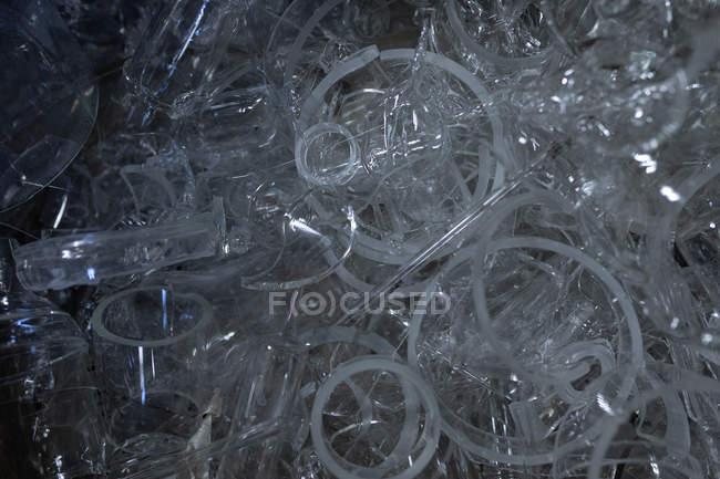 Закри продукт скла в скляного заводу — стокове фото