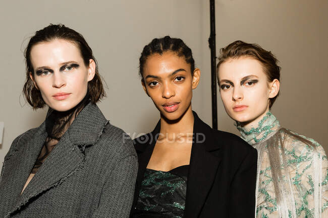 MILAN, ITALY - FEBRUARY 21: Gorgeous models pose in the backstage just before Cristiano Burani show during Milan Women's Fashion Week on FEBRUARY 21, 2020 in Milan. — Stock Photo