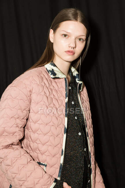 MILAN, ITALY - FEBRUARY 19: Gorgeous model poses in the backstage just before Marco Rambaldi show during Milan Women's Fashion Week on FEBRUARY 19, 2020 in Milan. — Stock Photo