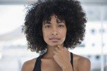 Портрет Чувственные женщины с афро прически — стоковое фото