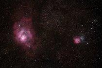 El corazón de la constelación de Sagitario, conservado bajo la contaminación lumínica del cielo - foto de stock