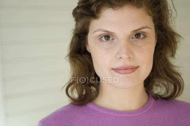 Portrait of young freckle woman looking at camera — Stock Photo