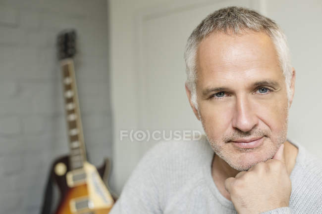 Portrait of grey haired mature man — Stock Photo