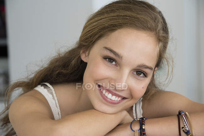 Portrait of blond smiling teenage girl smiling — Stock Photo