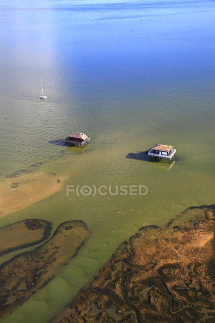 France, Gironde. Arcachon Bay. Bird Island. Cabins built on stilts. — Fotografia de Stock