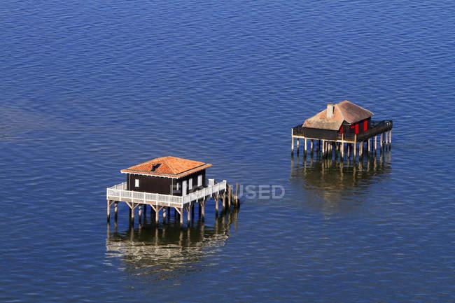 Frankreich, Gironde. Arcachon Bay. Vogelinsel. Kabinen auf Stelzen gebaut. — Stockfoto