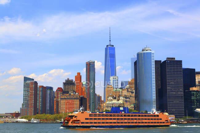 EUA, Nova York, Manhattan. Um centro de comércio mundial. Balsa Staten Island — Fotografia de Stock
