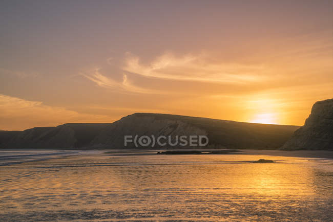 Вид Drakes пляж на заході сонця, точка Рейес Національний узбережжя, Каліфорнія, США — стокове фото