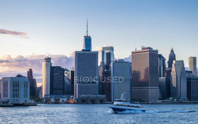 Usa, New York, Manhattan, Skyline panorama from Jersey City — стокове фото