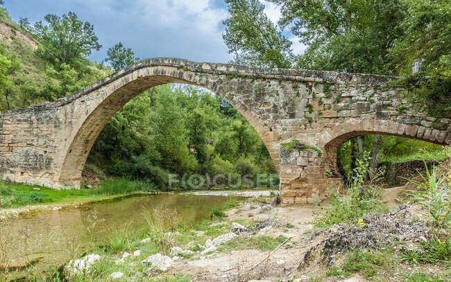 Spagna, comunità autonoma dell'Aragona, parco nazionale della Sierra e canyon della Guara, ponte Alquzar, ponte Albarda — Foto stock