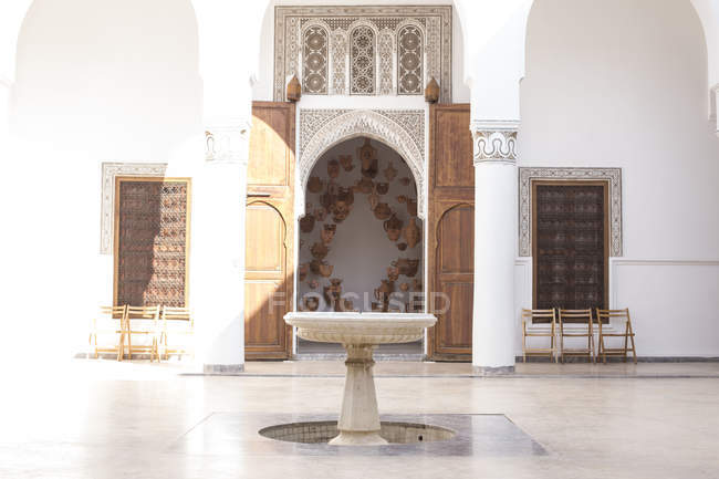 Detail of Ben Youssef Madrasa museum courtyard in Marrakesh, Morocco — Stock Photo
