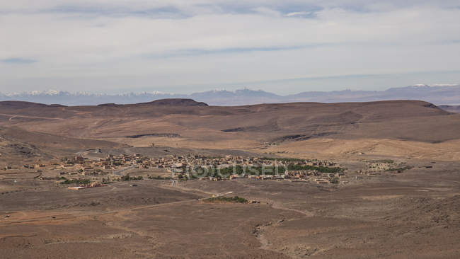 High angle view of road through arid landscape in Tizi-n-Tinififft, Morocco — Stock Photo