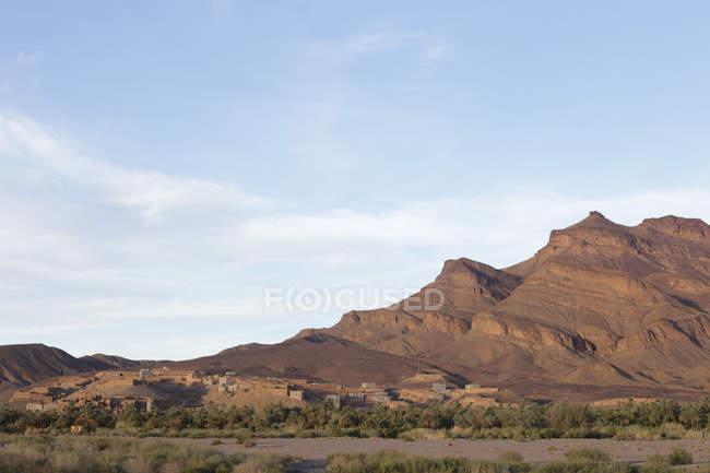 Vegetation in hilly landscape of Jbel Kissane, Agdz, Morocco — Stock Photo