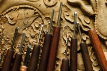 Традиційні китайські деревообробні гравіювання інструменти, крупним планом вид — стокове фото