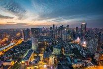 Провинция Сычуань, город Чэнду, Улица Восточного Цзыцзе пейзаж, арийский вид — стоковое фото