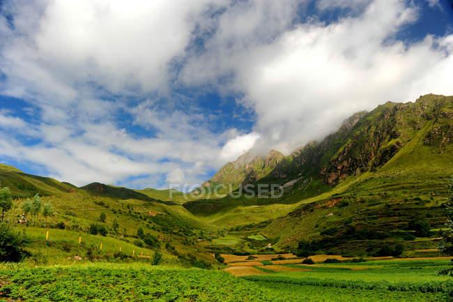 Beautiful Qinghai qilian ZhuoErShan scenery — Stock Photo