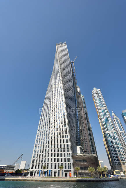 Dubai, United Arab Emirates - Oct 6, 2016: Futuristic buildings in Dubai Marina. — Stock Photo