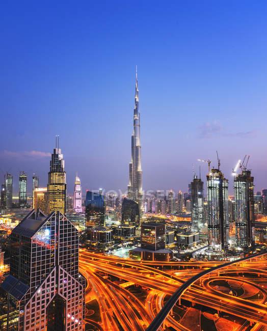 Famous Burj Khalifa tower at night, United Arab Emirates — Stock Photo