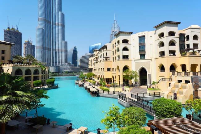 Dubai, United Arab Emirates - Oct 7, 2016: dubai downtown with burj khalifa tower — стоковое фото