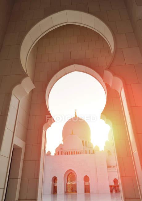 Abu Dhabi, Vae - 5. Oktober 2016: Scheich-Zayid-Moschee in Abu Dhabi, Vae — Stockfoto