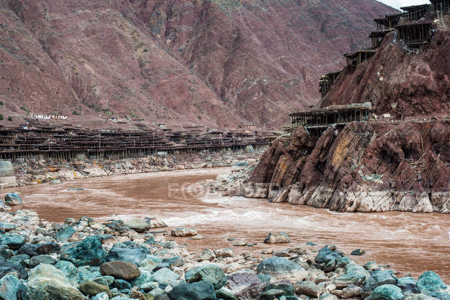 Mekong river and brine well at Tibet mangkang county — Stock Photo