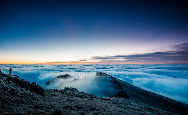 Amazing mountain scenery at scenoc sunrise, Sichuan yaan Xing county — Stock Photo