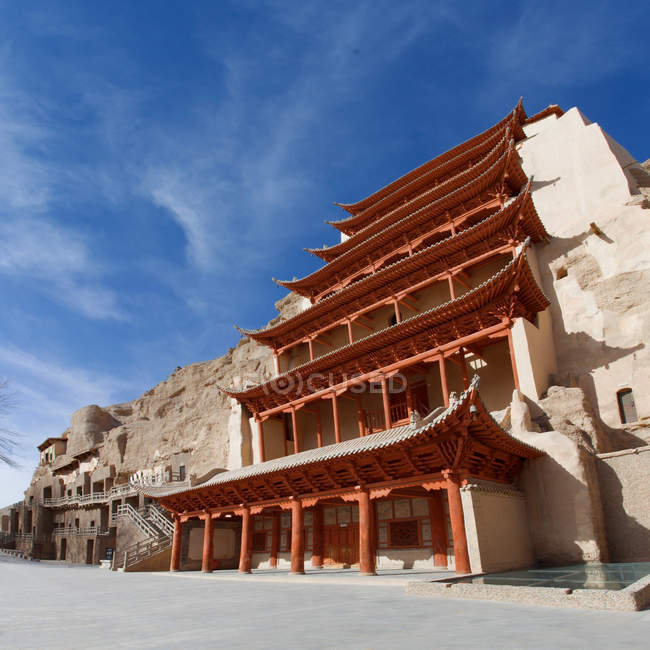 Low angle view of beautiful ancient architecture at Dunhuang desert, Gansu — стокове фото