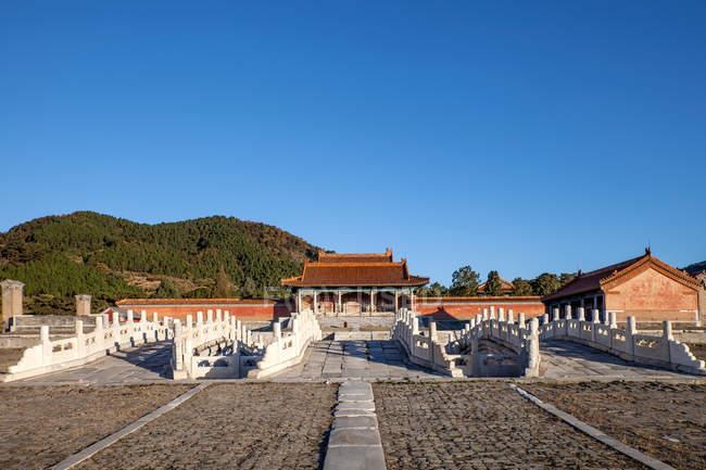 Знаменитий стародавніх східних цін могили, Zunhua, Хебей, Китай — стокове фото