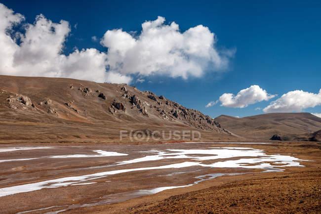 Красивий краєвид з гори, Hoh Xil, Цинхай, Китай — стокове фото
