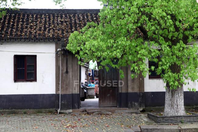Традиционная китайская архитектура в Куньшане, Цзянсу, Китай — стоковое фото