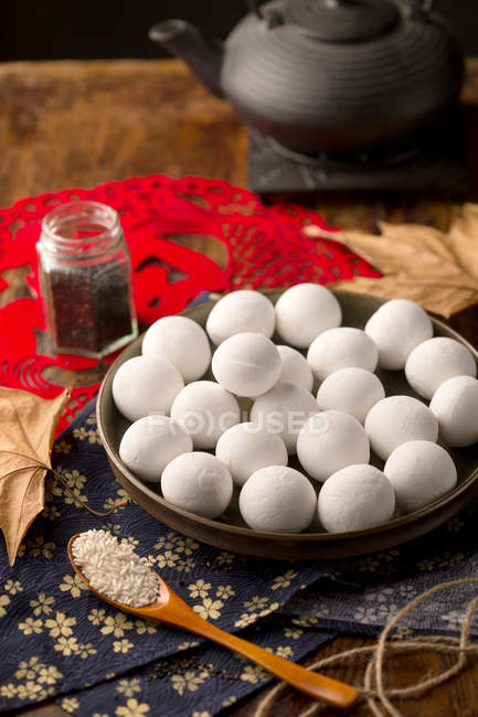 Closeup view of traditional chinese glutinous rice balls in plate — Stock Photo
