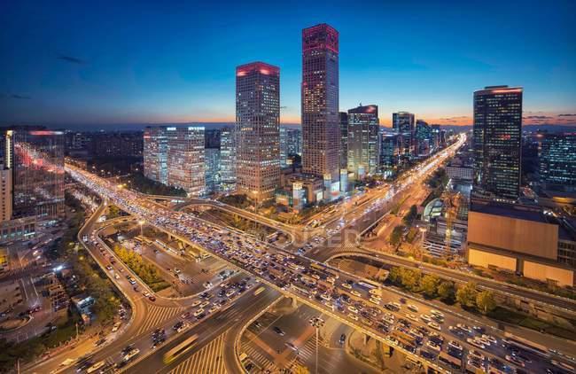 Vue aérienne de la scène nocturne du bâtiment CBD à Pékin — Photo de stock
