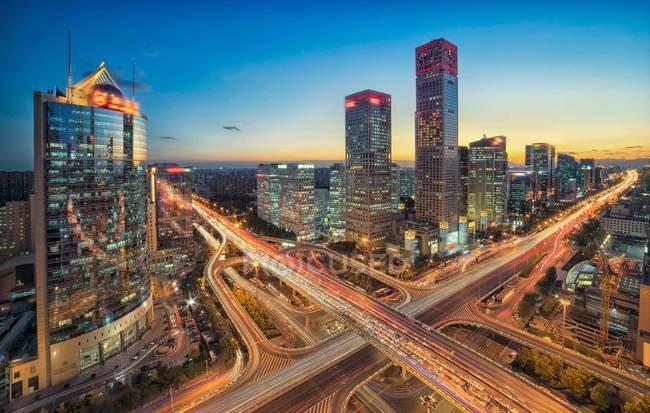 Повітряний вид на будівлю Cbd вночі в Пекіні. — стокове фото