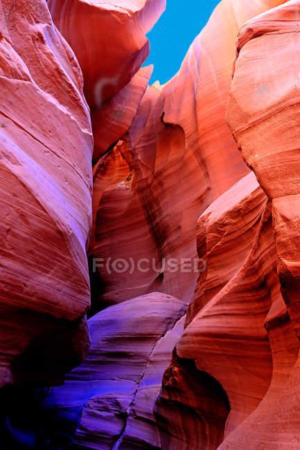 Paisagem incrível com rochas vermelhas em Antelope Canyon — Fotografia de Stock