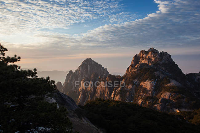 Sunrise of Mount Huangshan, Anhui Province, China — Photo de stock