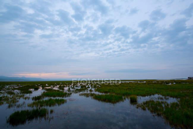 Гуху озеро Ґаннан в провінції Ганьсу, Китай — стокове фото