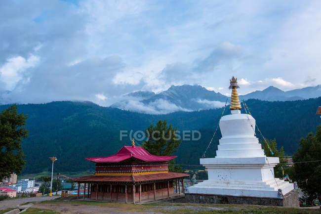 Temple de Dianga du comté de Diebu dans la province de Gansu, Chine — Photo de stock