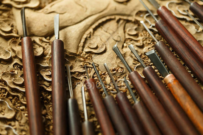 Traditional chinese woodworking engraving tools, close-up view — Stock Photo