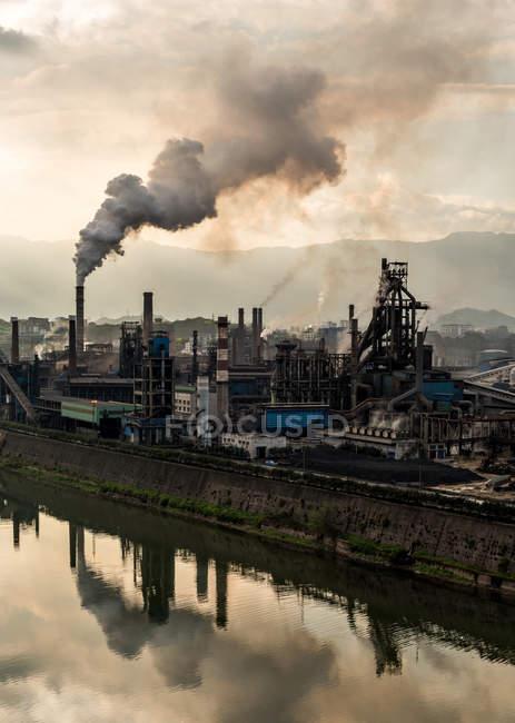 Fonderie sidérurgique industrielle — Photo de stock