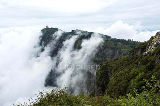 Beautiful landscape with mountains, Mount Emei, Sichuan Province, China — Stock Photo