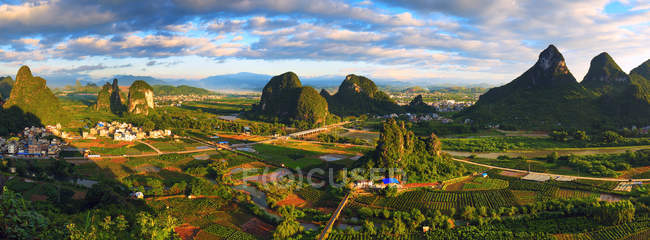 Aerial view of beautiful mountain landscape at Guangxi, China — Stock Photo
