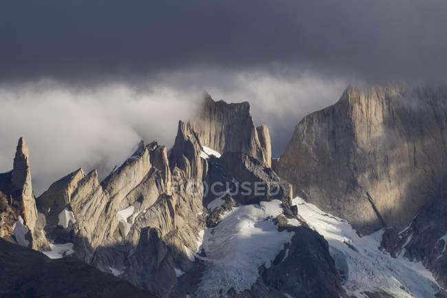 Amazing landscape with scenic rocky mountains at cloudy day — Stock Photo