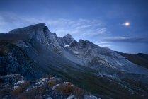 Pan di Zucchero et Pic d'Asti at blue hour, Varaita Valley, Piedmont, Italy — Stock Photo