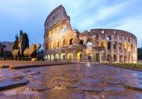 Italy, Lazio, Rome. Dawn at Coliseum — Stock Photo